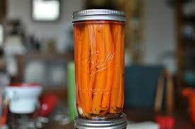 Mason Jar Carrot Juicer